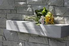 <p>Flowers at the Air India memorial in Vancouver in a file photo. REUTERS/Lyle Stafford</p>