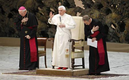 Pope Benedict XVI blesses the new cardinals and his relatives in Paul VI hall at the Vatican November 22, 2010. REUTERS/Max Rossi