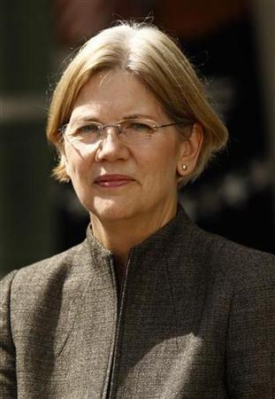 Consumer advocate Elizabeth Warren in Washington September 17, 2010. REUTERS/Kevin Lamarque