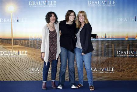 Director Debra Granik (L) poses with producers Anne Rosellini (C) and Alix Madigan, during a photocall for her film ''Winter's Bone'' at the 36th American film festival in Deauville September 5, 2010.  REUTERS/Vincent Kessler/Files
