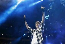 <p>Canadian singer Justin Bieber performs during the Z100 Jingle Ball in New York December 10, 2010. REUTERS/Lucas Jackson</p>