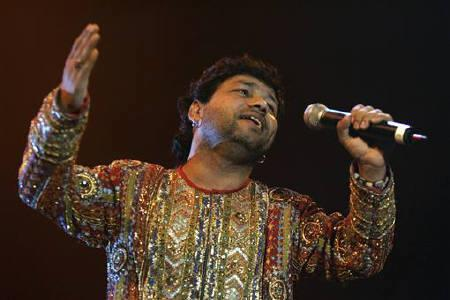 File photo of singer Kailash Kher performing during the Bollywood Music Awards in Atlantic City, New Jersey, November 4, 2006. REUTERS/Tim Shaffer/Files