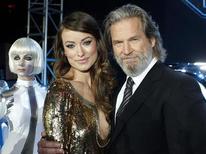 """<p>Atpres Olivia Wilde e Jeff Bridges na estreia do filme """"Tron: O Legado"""" em Hollywood. 11/12/2010 REUTERS/Danny Moloshok/Arquivo</p>"""