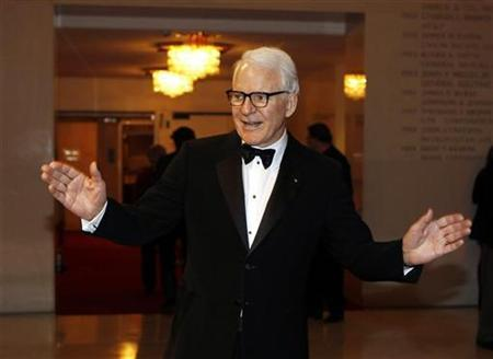 Actor Steve Martin arrives at the annual Mark Twain Prize awards ceremony for American Humor hosted by the Kennedy Center in Washington November 9, 2010. REUTERS/Larry Downing