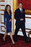 """<p>Un circuit """"spécial mariage princier à Londres"""" fait un tabac en Allemagne en prévision de l'union, le 19 avril en l'abbaye de Westminster, du prince William et de sa fiancée, la roturière Kate Middleton. /Photo prise le 16 novembre 2010/REUTERS/Suzanne Plunkett</p>"""