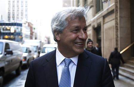 JPMorgan Chief Executive Jamie Dimon smiles as he leaves a meeting with lawyer Davis Polk in New York January 13, 2011. REUTERS/Jessica Rinaldi