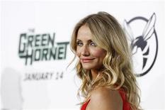 """<p>Foto de archivo: La actriz Cameron Diaz asiste a la función de preestreno del filme """"The Green Hornet"""" en el teatro chino Grauman en Hollywood, ene 10 2011. REUTERS/Mario Anzuoni (UNITED STATES)</p>"""