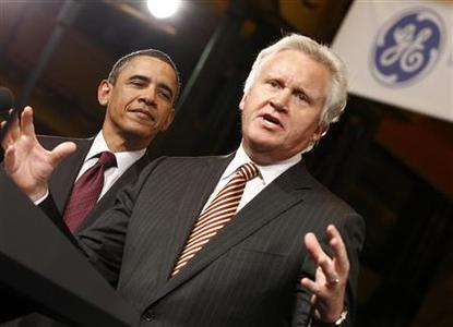 U.S. President Barack Obama listens to General Electric's CEO Jeffrey Immelt introducing him to speak at GE headquarters in Schenetady, New York, January 21, 2011. REUTERS/Kevin Lamarque