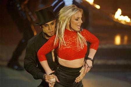 Singer Britney Spears performs on ABC's ''Good Morning America'' in New York on December 2, 2008. REUTERS/Lucas Jackson