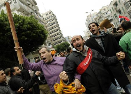 Protesters chant anti-government slogans during mass demonstrations against Egypt's President Hosni Mubarak, in Alexandria February 3, 2011. REUTERS/Dylan Martinez