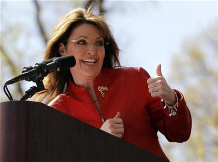 Former Alaska Governor and 2008 Republican vice presidential nominee Sarah Palin speaks at a Tea Party Express rally on Boston Commons in Boston, Massachusetts April 14, 2010. REUTERS/Brian Snyder