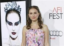 "<p>Cast member Natalie Portman arrives at a screening of the film ""Black Swan"" at the closing night gala of AFI Fest 2010 in Hollywood, California November 11, 2010. REUTERS/Danny Moloshok</p>"