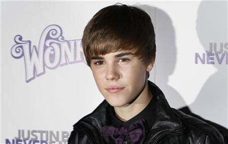 Canadian singer Justin Bieber arrives for the premiere of the 3D film ''Justin Bieber: Never Say Never '' in New York February 2, 2011. REUTERS/Lucas Jackson