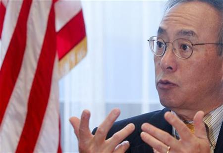 Secretary of Energy Steven Chu briefs the media during the 54th International Atomic Energy Agency (IAEA) General Conference at the UN headquarters in Vienna September 21, 2010. REUTERS/Herwig Prammer