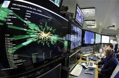 <p>Imagem mostrando colisão em seu ponto máximo é mostrada no CMS do LHC, na Suíça. 30/03/2011 REUTERS/Denis Balibouse</p>