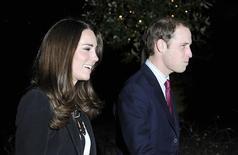 <p>Pas reçu d'invitation pour le mariage du prince William et de Kate Middleton en avril ? La solution pour y assister pourrait être de postuler aux emplois d'assistants polyvalents proposés par la reine d'Angleterre Elizabeth II sur son site. /Photo d'archives/REUTERS/Paul Hackett</p>