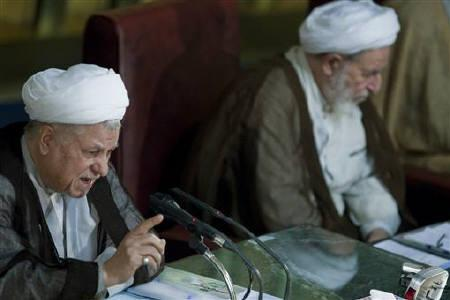 Akbar Hashemi Rafsanjani (L), head of Iran's Assembly of Experts, gives the opening speech during the assembly's biannual meeting in Tehran September 14, 2010. REUTERS/Caren Firouz/Files