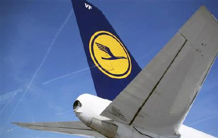 The tail of of Germany's Deutsche Lufthansa aircraft is pictured at Frankfurt Airport April 7, 2010. REUTERS/Johannes Eisele/Files