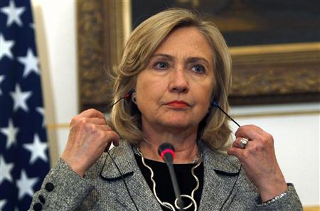 U.S. Secretary of State Hillary Clinton attends a news conference with Egypt's Foreign Minister Nabil Elaraby in Cairo March 15, 2011. REUTERS/Amr Abdallah Dalsh