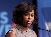 <p>U.S. First Lady Michelle Obama speaks at the Walmart announcement initiative to make food healthier and more affordable in Washington, January 20, 2011. REUTERS/Yuri Gripas</p>