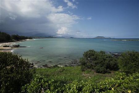 A view of Kailua Bay in Kailua, Hawaii December 24, 2010. REUTERS/Hugh Gentry