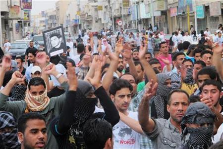 Protesters shout slogans asking for the release of prisoners they say are held without trial, in Saudi Arabia's eastern Gulf coast town of Qatif March 11, 2011. REUTERS/Stringer