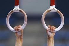 <p>Spain's Rafael Martinez's hands are seen during a training session at the 2005 Mediterranean Games in Almeria, southern Spain, June 27, 2005. REUTERS/Victor Fraile</p>