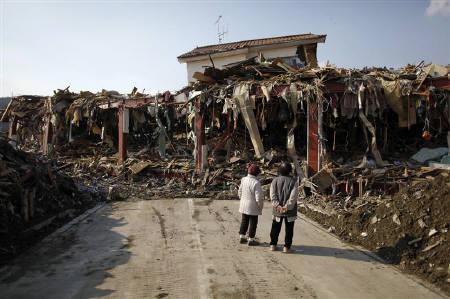 3月29日、未曾有の大災害となった東日本大震災の復興財源確保で、政府内からも増税やむなしとの声が広がりつつある。写真は被災した岩手県陸前高田市(2011年 ロイター/Damir Sagolj)