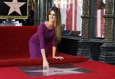 <p>A atriz espanhola Penélope Cruz participa da cerimônia de inauguração de sua estrela na Calçada da Fama, em Hollywood, na Califórnia. 01/04/2011 REUTERS/Mario Anzuoni</p>