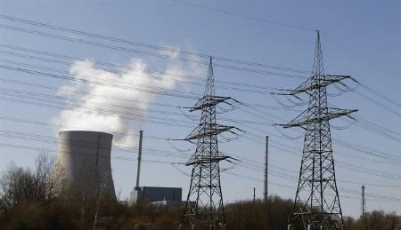 4月4日、ドイツのエネルギー業界団体は、原発の一時停止措置により、ドイツは電力の純輸入国になったことを明らかに。写真はドイツ国内の原発。2日撮影(2011年 ロイター/Michaela Rehle)