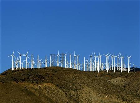 Windmills are seen at a wind farm in Palm Springs, California, February 9, 2011. REUTERS/Lucy Nicholson
