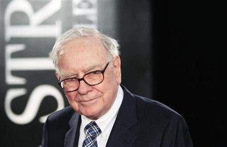 Investor Warren Buffet arrives for the premiere of the film ''Wall Street: Money Never Sleeps'' in New York September 20, 2010. REUTERS/Lucas Jackson