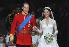 <p>El príncipe Guillermo y Catalina, duquesa de Cambridge al acabar la ceremonia REUTERS/Toby Melville</p>