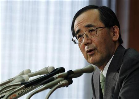Bank of Japan Governor Masaaki Shirakawa speaks at a news conference in Tokyo April 28, 2011.REUTERS/Kim Kyung-Hoon