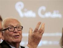 <p>French fashion legend Pierre Cardin gestures during a news conference in Moscow, May 28, 2010. REUTERS/Alexander Natruskin</p>