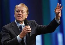 John Chambers, presidente-executivo da Cisco, participa de encontro em Nova York, setembro de 2010. A Cisco deve demitir milhares de funcionários para cumprir um corte de custos anunciado por Chambers. A previsão média é de 3 mil demissões. 23/09/2010 REUTERS/Chip East