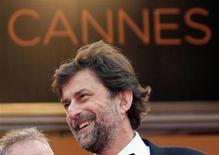 """<p>El director Nanni Moretti a su llegada a la presentación de la cinta """"Habemus Papam"""" en el Festival de Cine de Cannes, mayo 13 2011. El Vaticano recibió el viernes en Cannes una dosis de análisis freudiano con """"Habemus Papam"""", una simpática comedia sobre un Papa recién elegido que se acobarda cuando el peso de la responsabilidad cae sobre él. REUTERS/Jean-Paul Pelissier</p>"""