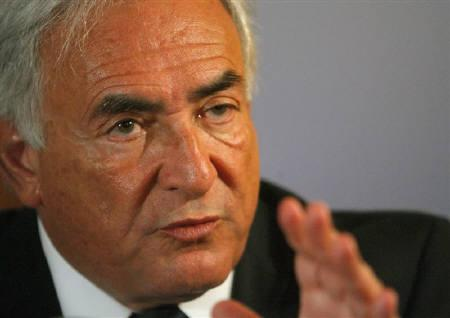 International Monetary Fund (IMF) Managing Director Dominique Strauss-Kahn addresses a news conference in Vienna May 15, 2009. REUTERS/Heinz-Peter Bader/Files