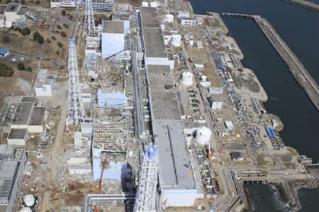 An aerial view of the Fukushima Daiichi Nuclear Power Station is seen in Fukushima Prefecture in this photo taken by Air Photo Service on March 24, 2011. Picture taken March 24, 2011.  Mandatory Credit REUTERS/Air Photo Service/Files