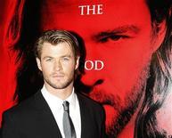 """<p>""""Thor"""" reinó en la taquilla de cine norteamericana por segundo fin de semana seguido, segúna estimaciones de los estudios dadas a conocer el domingo. En la foto el actor Chris Hemsworth posa para los fotógrafos durante el estreno de la película en Sidney, el 17 de abril del 2011. REUTERS/Daniel Munoz (AUSTRALIA)</p>"""