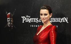 """Penélope Cruz na estreia do filme """"Piratas do Caribe - Navegando em Águas Misteriosas"""", em Munique, na Alemanha. O filme estreia neste final de semana em circuito nacional. 16/05/2011    REUTERS/Michaela Rehle"""
