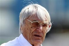 O principal executivo da Fórmula 1, Bernie Ecclestone, antes de corrida na Turquia, em 8 de maio de 2011. De acordo com Ecclestone, a Índia pode encerrar a F1 se prova do Barein voltar ao calendário. 08/05/2011 REUTERS/Osman Orsal