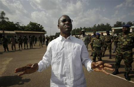 Guillaume Soro addresses troops in the provincial capital Yamoussoukro, March 31, 2011. REUTERS/Emmanuel Braun/Files