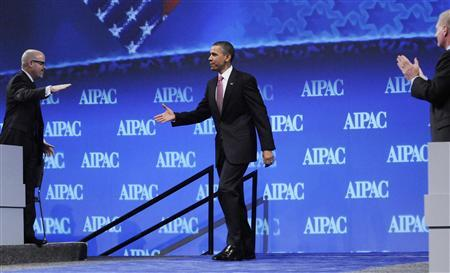 President Barack Obama takes the stage to deliver remarks to delegates at the American Israel Public Affairs Committee policy conference in Washington, May 22, 2011. REUTERS/Jonathan Ernst