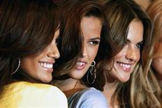 <p>Victoria's Secret models (L-R) Selita Ebanks, Izabel Goulart and Alessandra Ambrosio pose for photographers during an appearance at the store in New York February 28, 2007. REUTERS/Brendan McDermid</p>