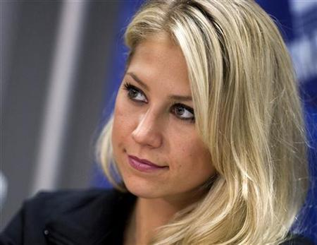 Anna Kournikova takes part in a news conference for the World Team Tennis Smash Hits fundraiser in Washington November 15, 2010.REUTERS/Joshua Roberts