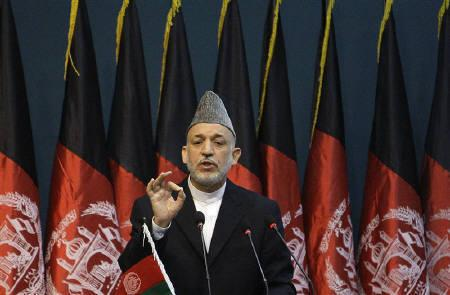 File photo of Afghan President Hamid Karzai as he speaks during his visit to the Civil Service Institute in Kabul August 7, 2010. REUTERS/Omar Sobhani/Files