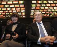 Presidente da Fifa, Joseph Blatter, ao lado da presidente da Suíça, Micheline Calmy-Rey, na abertura do Congresso da Fifa em Zurique. 31/05/2011 REUTERS/Arnd Wiegmann