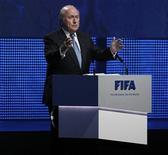 O presidente da Fifa, Joseph Blatter, fala durante cerimônia de abertura do 61o congresso da entidade em Zurique, Suíça. 31/05/2011 REUTERS/Arnd Wiegmann