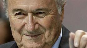 Presidente da Fifa, Joseph Blatter, durante 61 congresso da Fifa, em Zurique, na Suíça.  Blatter foi reeleito sem oposição para um quarto mandato como presidente da Fifa nesta quarta-feira.  01/07/2011 REUTERS/Arnd Wiegmann